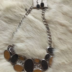 Jewelry - Leather Necklace Set